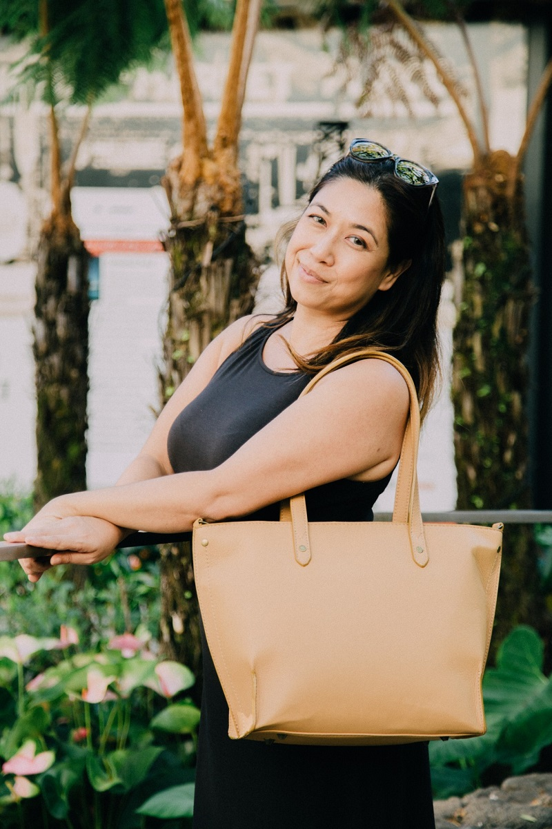 The Arayla team is ready to show off the best of the Summer Resort line of fashionable bags for 2018 travel and so much more.